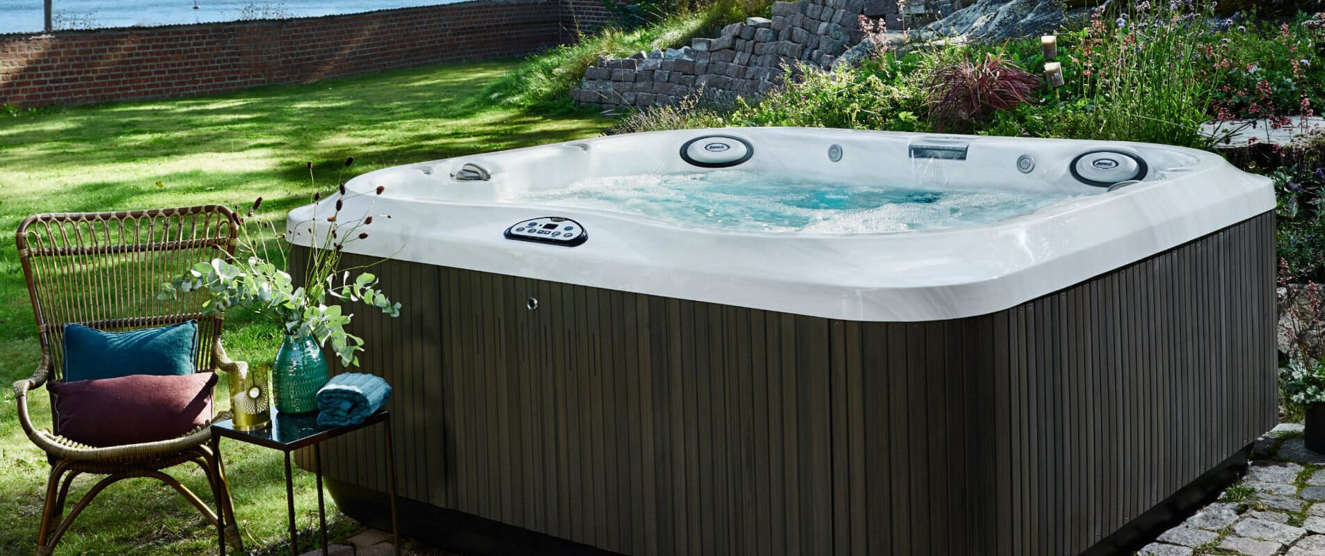 Jacuzzi Es.Jacuzzi J 325 Hot Tub Specs Pricing And Deals In Spain